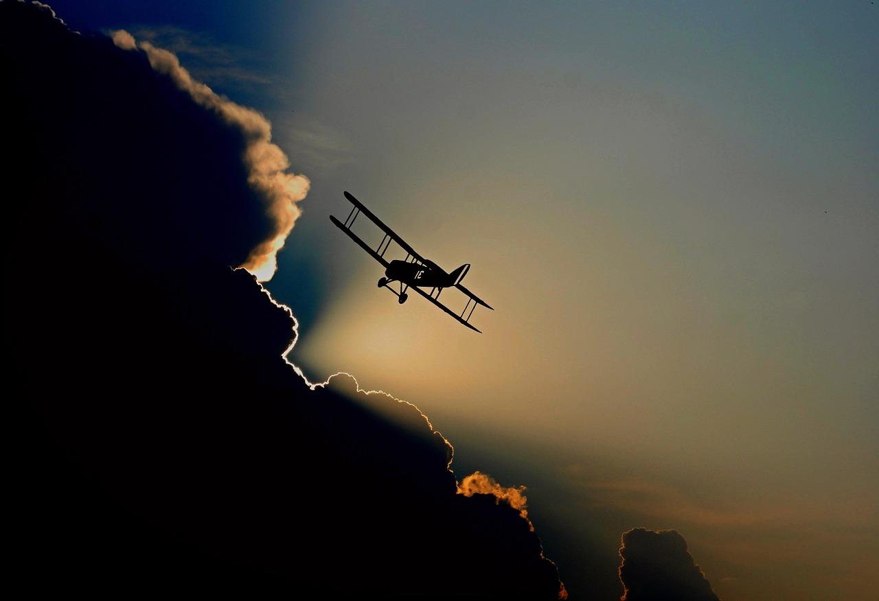 aircraft-1813731_1280